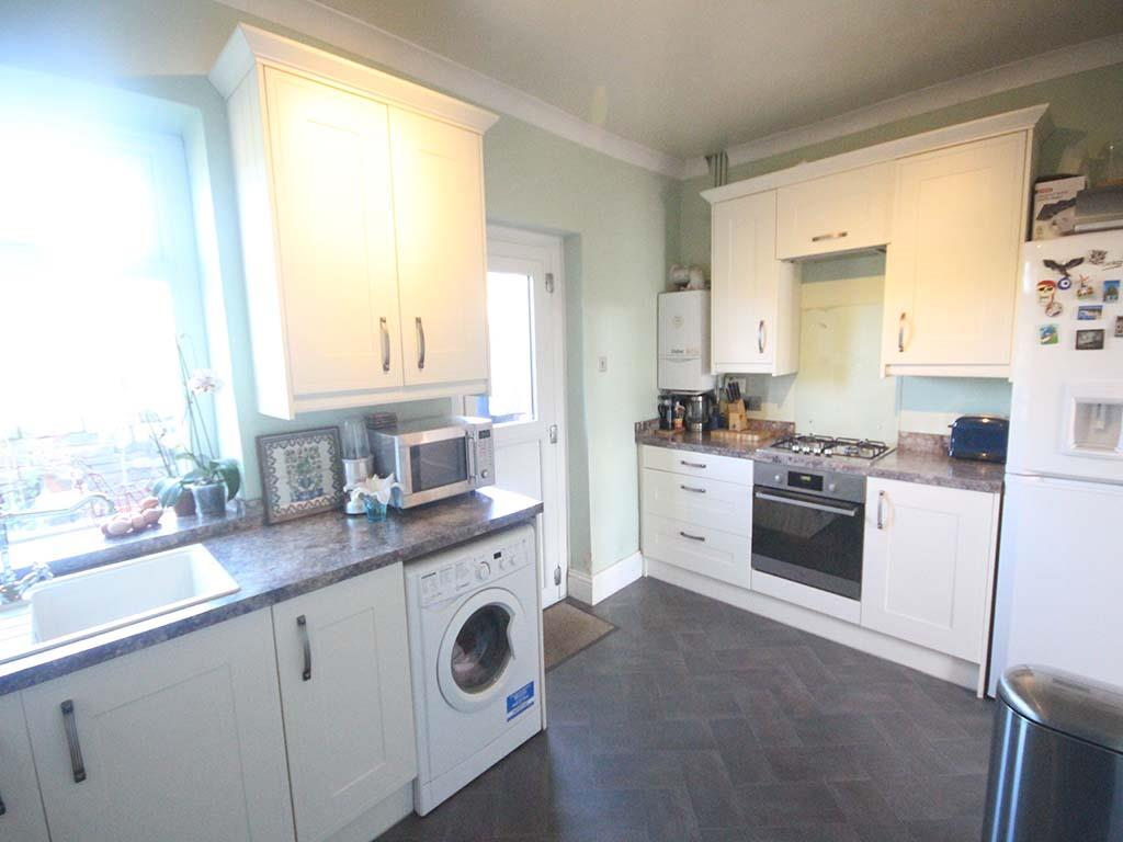 2 bedroom end terrace house For Sale in Winewall - IMG_7318.jpg